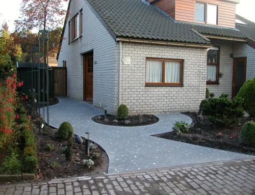 Huis met kronkel pad